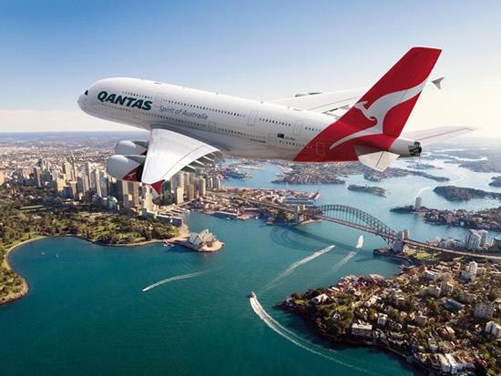Photo of Qantas Airline Berencana Bagikan iPhone untuk Karyawannya