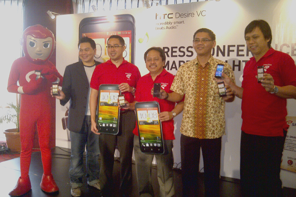 Photo of SMARTFREN GANDENG HTC LUNCURKAN HTC DESIRE VC