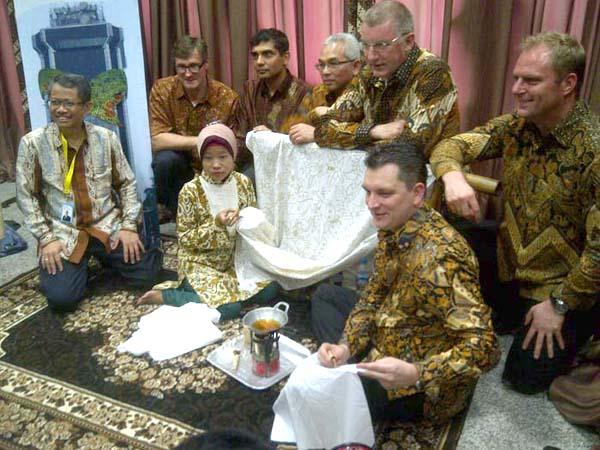 Photo of Dukungan Indosat di Hari Batik Nasional