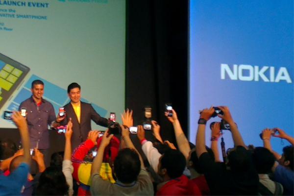 Photo of Windows Phone 8 dari nokia, Lumia 920 & Lumia 820