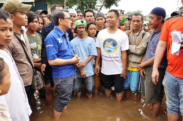 Photo of Bantuan untuk Korban Banjir dari XL