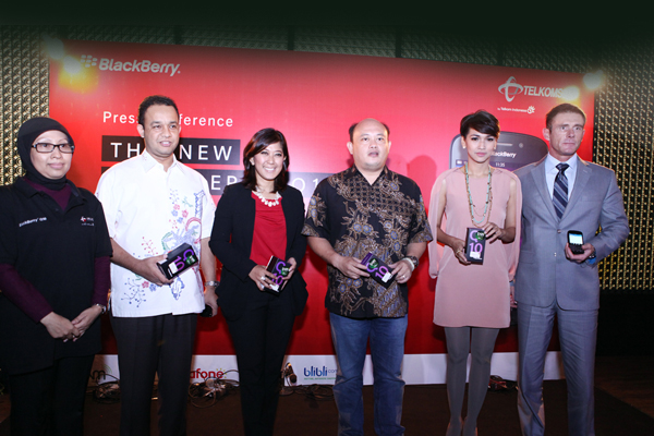 Photo of Telkomsel Hadirkan BlackBerry Q10