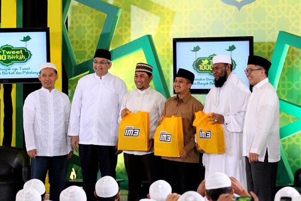 Photo of 3 Dai Kondang Dukung Tarhib Ramadhan Indosat