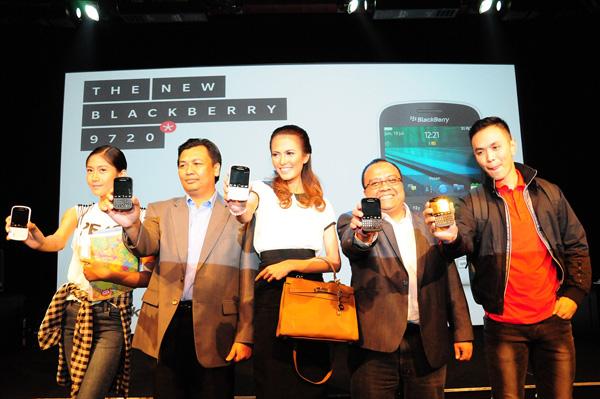 Photo of Dengan Bangga BlackBerry 9720  Sudah hadir di Indonesia