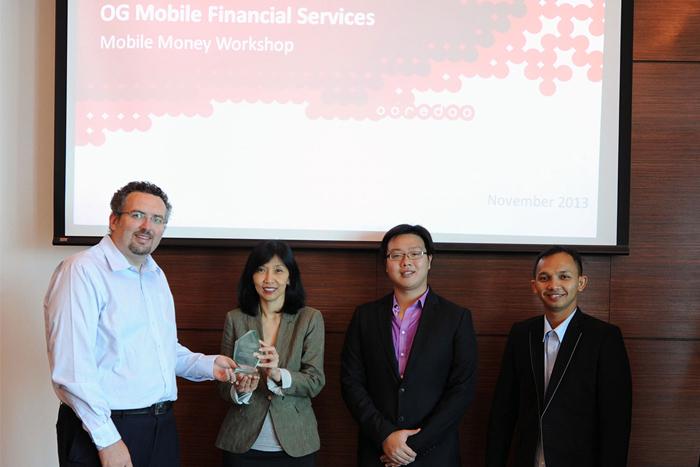 Photo of Indosat Raih Penghargaan Layanan Mobile Money Terbaik di Asia