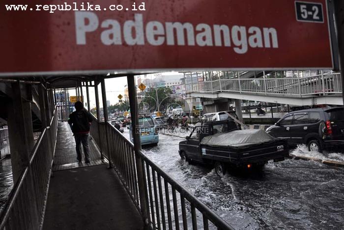 Photo of Jakarta Banjir, Layanan Telkomsel Berjalan Normal
