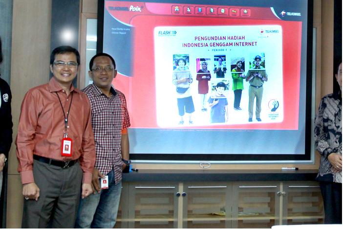 Photo of Telkomsel Berikan Apresiasi kepada Para Agen Internet