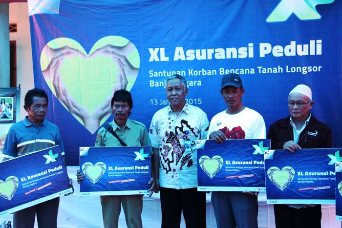 Photo of XL Serahkan Donasi  93 Ahli Waris Korban Longsor Banjarnegara dan ACT