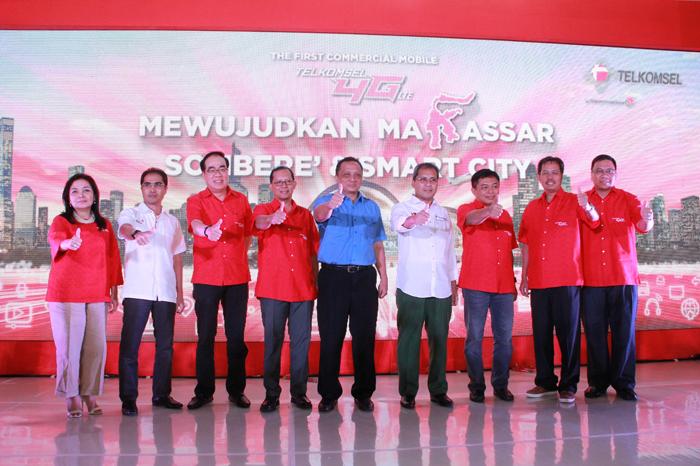 Photo of Telkomsel Resmikan Layanan 4G LTE Secara Komersial di Makassar