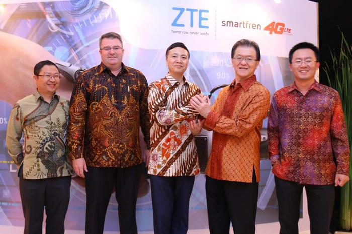 Photo of ZTE Mendukung Jaringan 4G Hybrid Pertama Milik Smartfren