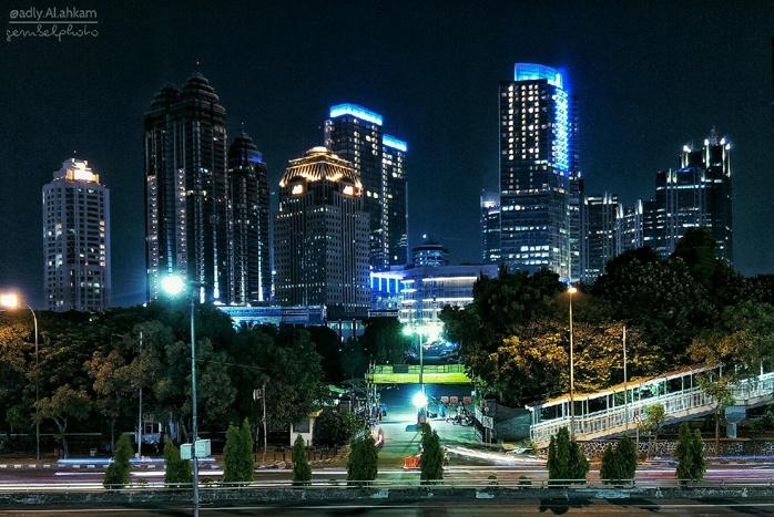 Photo of Warna Warni Cahaya Kota Jakarta Sangat Luar Biasa !