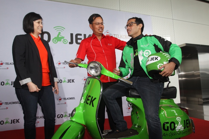 Photo of Telkomsel, GO-JEK  dan TiPhone Kembangkan Online Channel