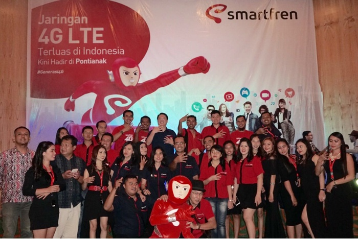 Photo of Layanan Smartfren 4G LTE Advanced Kini Hadir di Pontianak