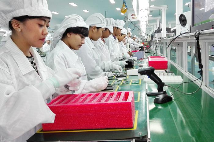 Photo of Huawei meresmikan pabrik lokal pertama bekerjasama dengan PT Panggung Electric Citrabuana