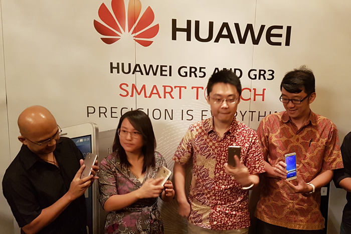 Photo of Huawei GR3 dan GR5 Smartphone diposisikan sebagai  The King of Fingerprint