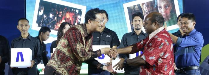 Photo of Samsung Bagikan 1.500 Lentera Tenaga Surya ke Warga Lanny Jaya Papua