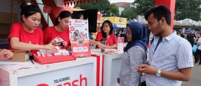 Photo of Layanan Broadband dan Digital Dominasi Transaksi Pelanggan Telkomsel di Jakarta Fair Kemayoran 2017