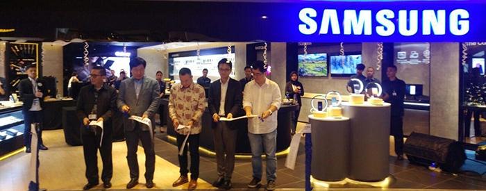 Photo of Erajaya Group serentak Resmikan Samsung Experience Store Jakarta, Bandung, Banten dan Bogor